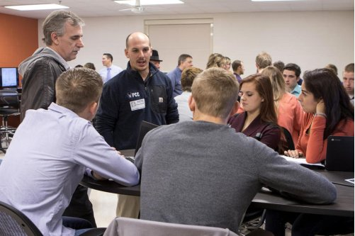 Genoa-Kingston students develop business ideas in entrepreneurship class